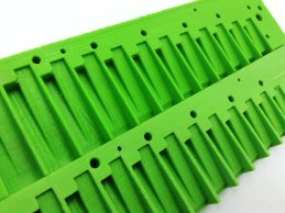 sanded comb and unsanded comb (green)