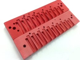 sanded comb and unsanded comb (red)